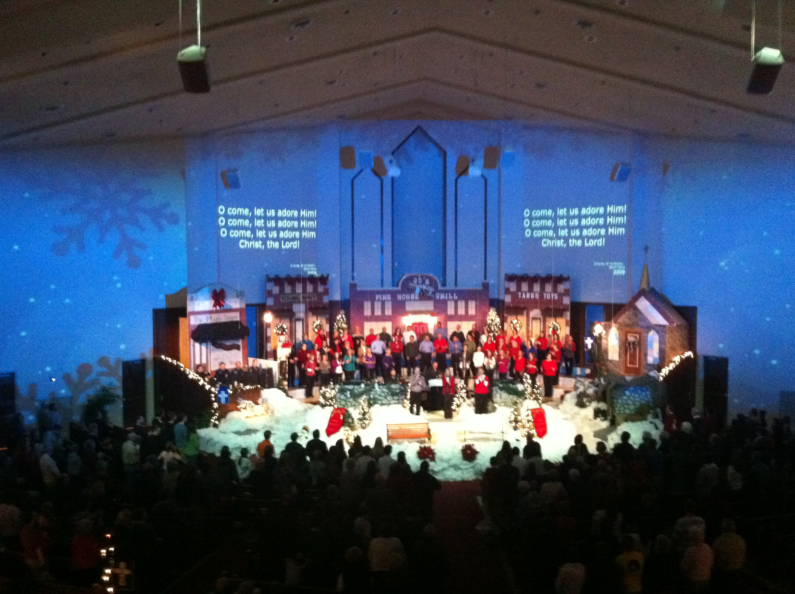 How visual worshiper used environmental projection at his church inspiration outside christmas projection christmas environmental projection at country woods baptist church malvernweather Gallery