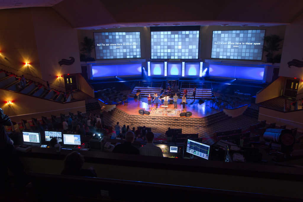 3 details on church triple wide video screen setup  at readyjetset.co